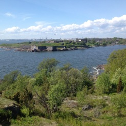 From Vallisaari towards Suomenlinna