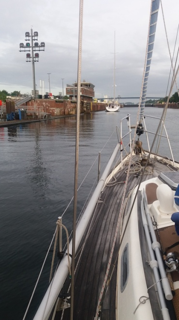 Only us and one other sailboat in the lock at 0700am.